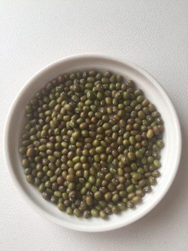 むくみに悩む人におすすめの緑豆薬膳粥